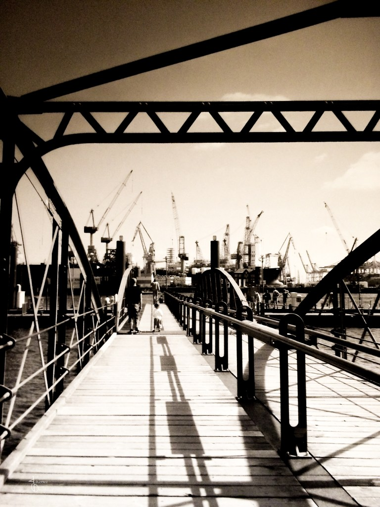 Faces of Hamburg – the bridge