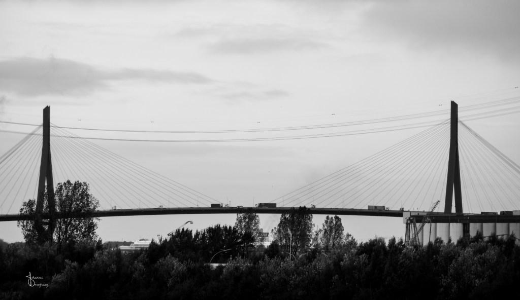 Faces of Hamburg – Bridges