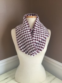 crimson-and-white-houndstooth