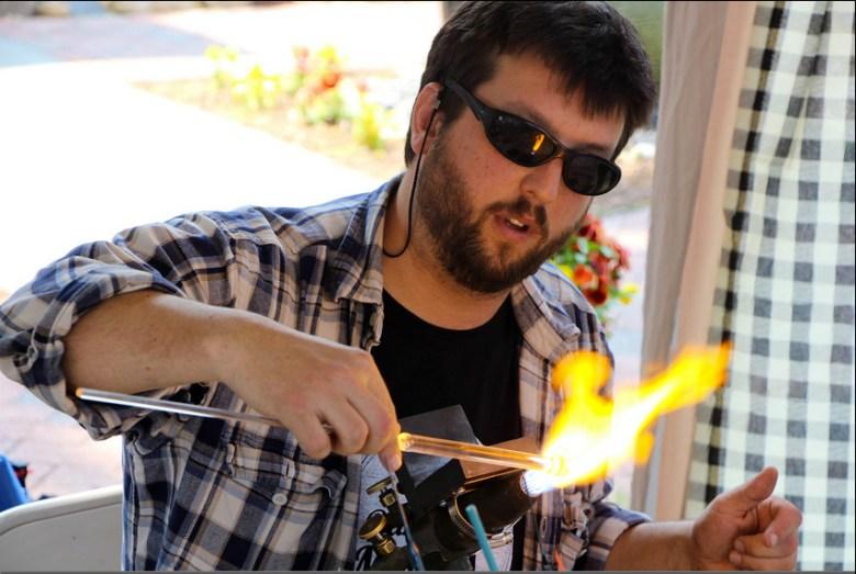 Simon glassblowing