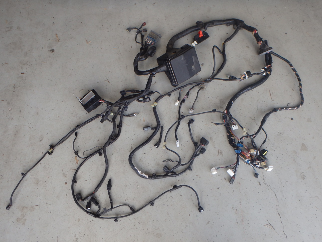 hight resolution of mitsubishi lancer evo x 10 cz4a engine bay headlight fuse box wiring harness