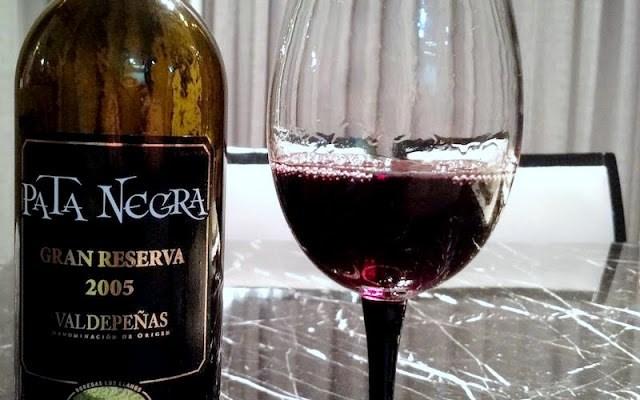 Vinho Tinto Espanhol Pata Negra. Excelente para Ocasiões Especiais