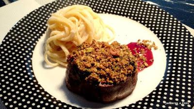 Mignon com crosta de pistache
