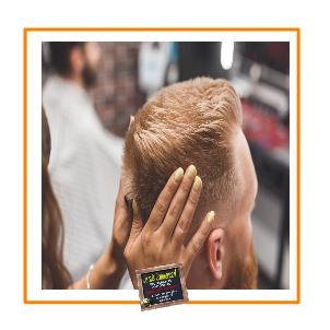 client fidèle chez le coiffeur