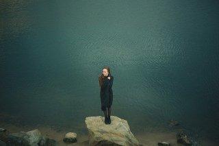 Emotion - femme isolee - Je Tu Elles