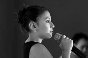 peur de parler en public : chanter sur scène