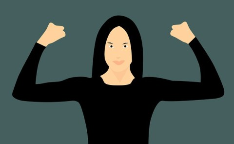 Défi Le Billet de Sophie - Femme mettant les bras en position de force