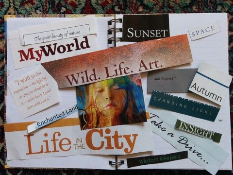 Exemple de tableau de visualisation fait dans un cahier avec des collages