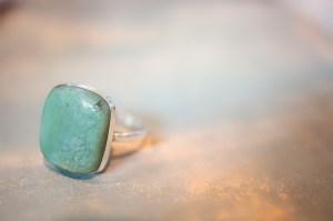 Bague carrée avec un chrysoprase vert bleuté