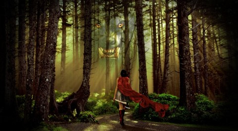 Petit chaperon rouge s'apprêtant à se battre contre le loup dans la forêt