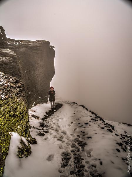 Snow and fog in Mount Rainier