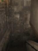 Descente vers la crypte
