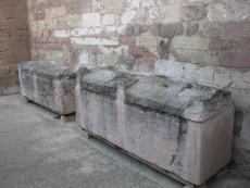 Sarcophages à l'air libre