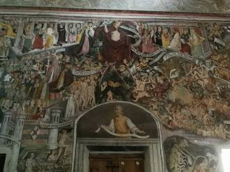 Au centre le Christ entouré de ses douze Apôtres