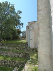 Mur d'enceinte de l'abbaye de Sylvacane