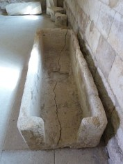 Salle capitulaire, sarcophage