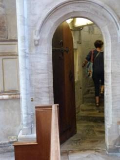 Escalier mènant au cachot des pénitences