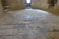 La salle du Viguier-dallage