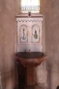 Bénitier et fonts baptismaux
