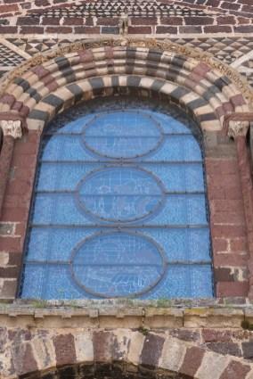 Façade occidentale - grande verrière et le martyre de Saint Chaffre