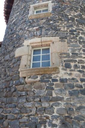 Le château du Monastier-sur-Gazeille - fenêtres
