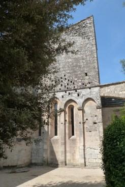 Cour du chevet et terrasse (11)