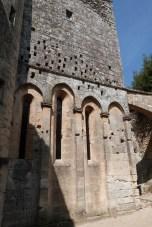 Cour du chevet et terrasse (5)