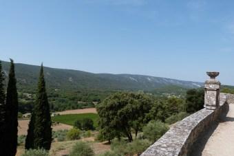 Cour du chevet et terrasse - remparts