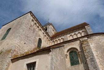 Le chevet - Arcatures aveugles et larges fenêtres du chœur (3)