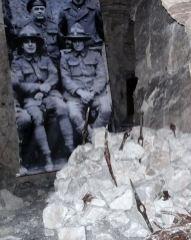 Carrière Wellington (Arras) dans la craie, les pics des diggers.