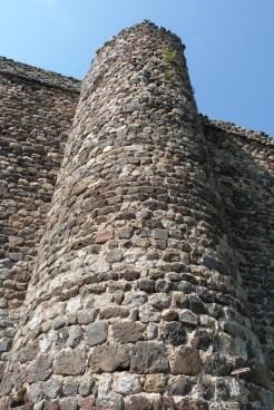 Remparts et tour de défense (2)