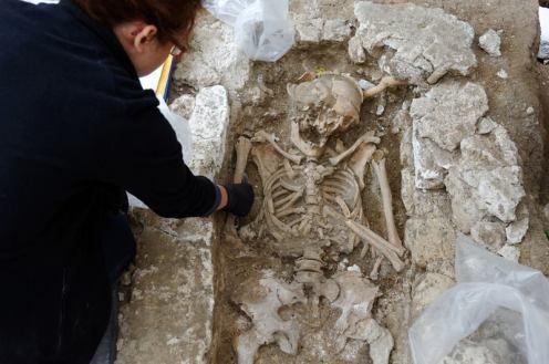 Des squelettes mérovingiens retrouvés au pied de Saint-Germain-des-Prés !