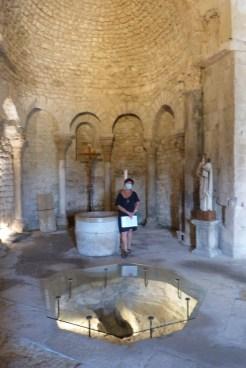 Bassin d'immersion du baptistère (6)