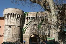 Porte_Villeneuve -à_Pernes_les_Fontaine