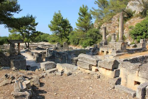 La source sacrée, le sanctuaire d'Hercule, le temple de Valetudo.