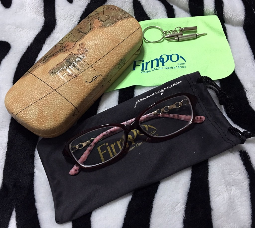 Chic and Cheap Glasses from Firmoo.com