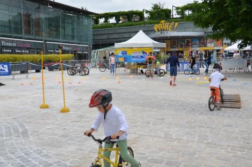 Un parcours d'habileté proposé par le Comité Loiret Cyclisme.