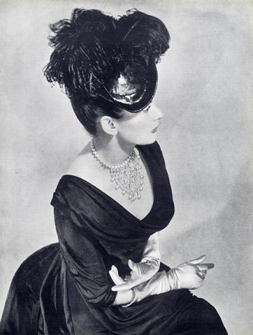 jeanne-danjou-rousselet-parurier-paris-bijou-vintage-schiaparelli-