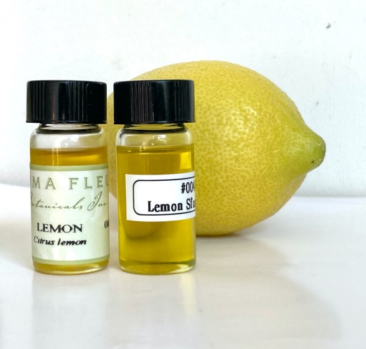 Showing a photo of Lemon peel oil and the fruit