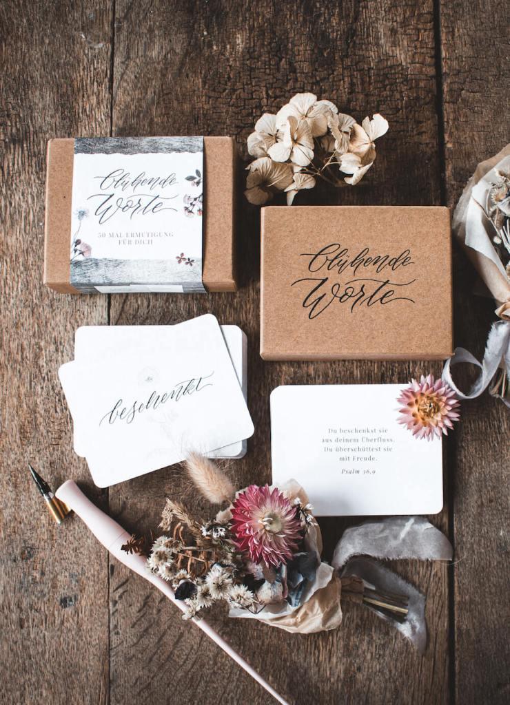 Ermutigung Hoffnung Geschenk Wertschätzung Corona Glaube Bibelvers Bibel Kalligrafie Kalligraphie Box