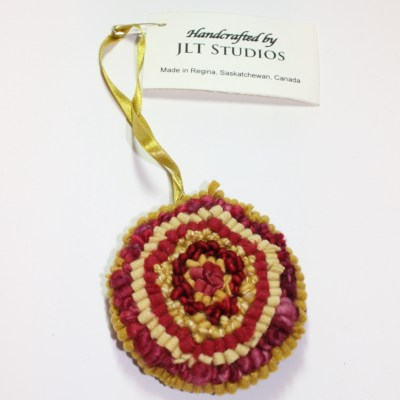 Christmas Circle Ornament #16