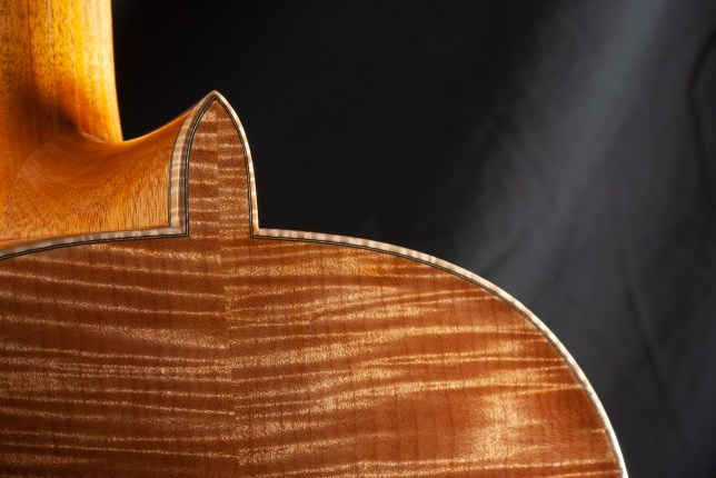 Classical carved arch back guitar in flamed big leaf maple Jean Rompré guitare classique érable