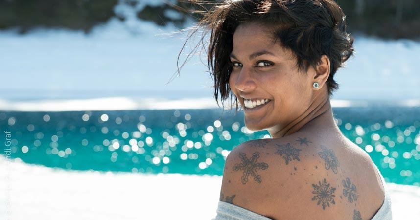 frauen-ruecken-mit-tattoos