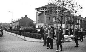 muziektent op de hoek van de schoolstraat/ joh. Tomstraat.