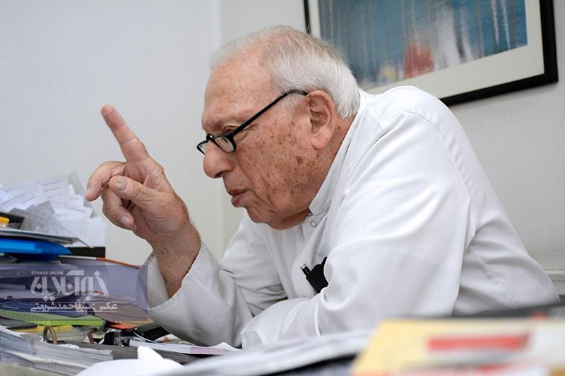 دکتررمحمود مصدق به فرزند کاشانی: تاریخ جواب ادعای شما را داده است