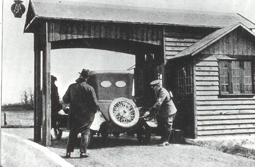 aldermaston-filling-station