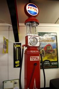 glass-globe-turbine-pump-copy