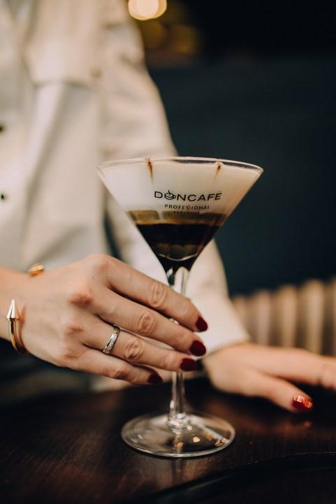 Jedan_frajer_i_bidermajer_kafa_Doncafe_Orange_coffee_martini