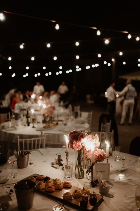 Jedan_frajer_i_bidermajer_serbian_belgrade_outdoor_wedding_wedding_planning_decor_lights_flowers