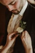 Jedan_frajer_i_bidermajer_serbian_belgrade_wedding_wedding_planning_decor_flowers_corsage (2)